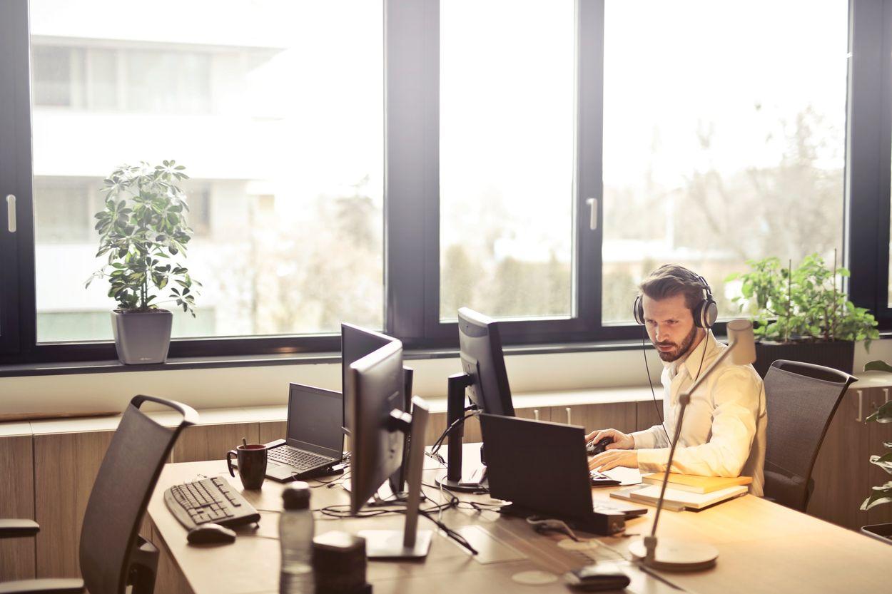 Afbeelding van 17 procent werknemers voelt zich overbodig op werk