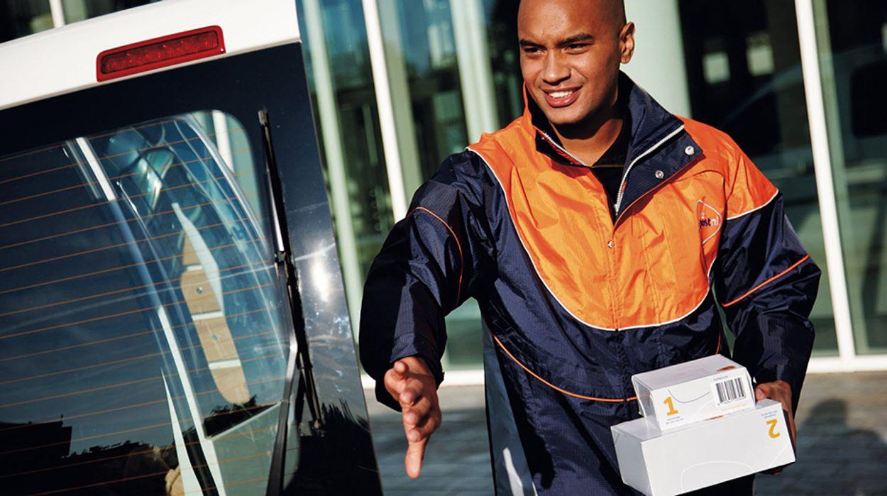 Afbeelding van Topdrukte pakketbezorgers: hoeveel waardering hebben consumenten voor hun werk?