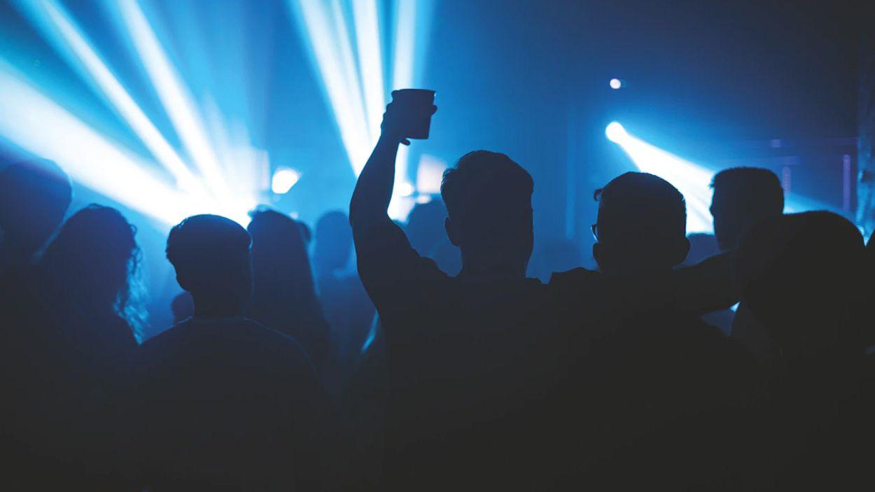 Afbeelding van Kabinet negeerde adviezen over opengooien van nachtclubs