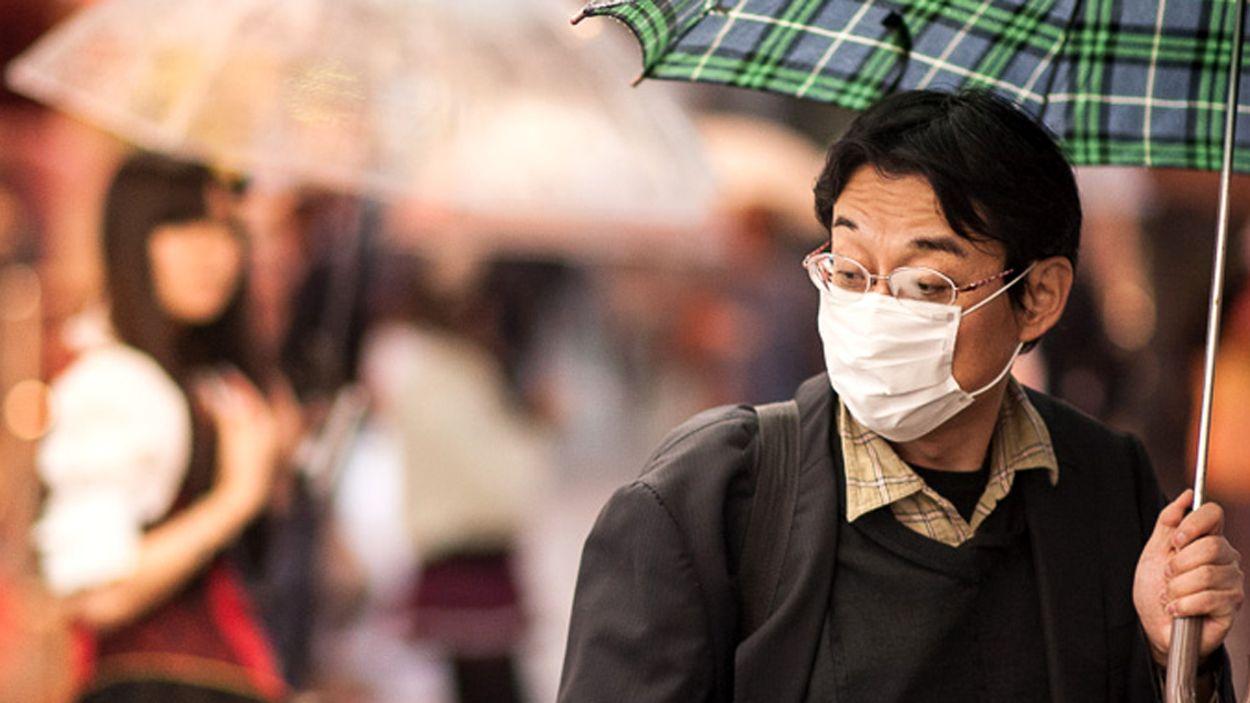 Afbeelding van Helft Nederlanders wil mondkapjes in openbare ruimte