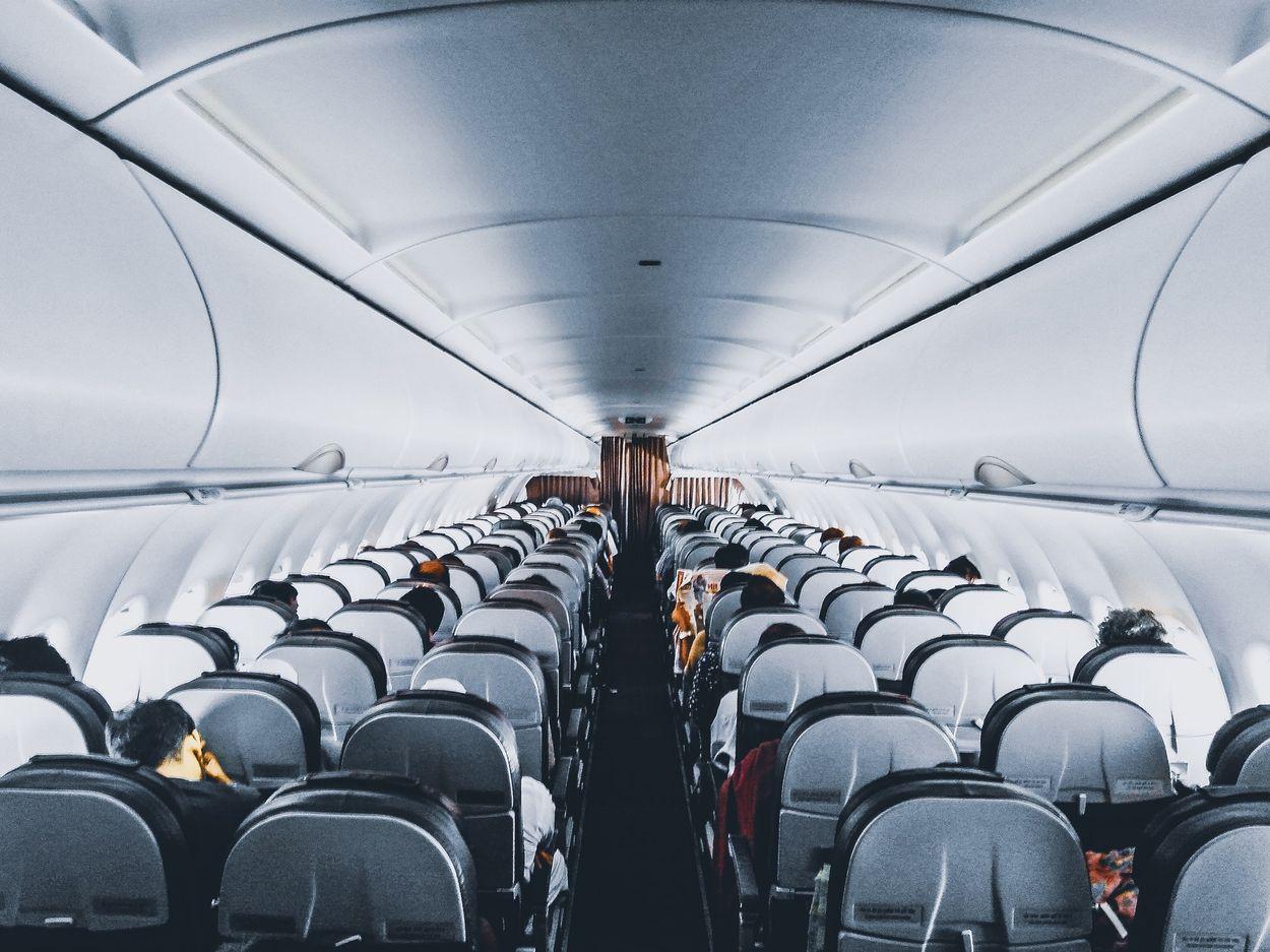 Afbeelding van Nederlandse luchtvaartmaatschappijen lappen 'geld terug'-regels aan hun laars