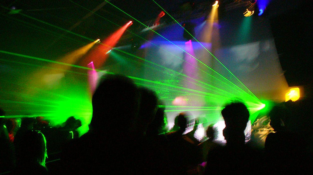 Afbeelding van Discotheken en nachtclubs mogen open tot middernacht