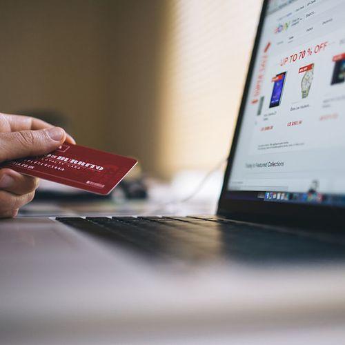 Afbeelding van Peiling: Hoe snel en veilig moet internetbankieren zijn?