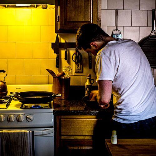Afbeelding van Bakken en braden van eten zorgt voor fijnstofpiek in 1 op 7 huizen