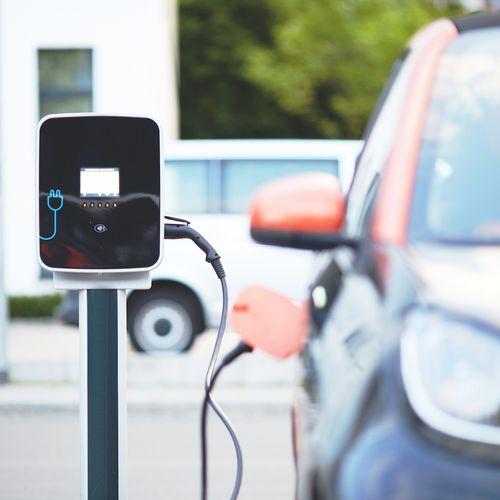 Afbeelding van Aantal elektrische auto's in jaar tijd verdubbeld
