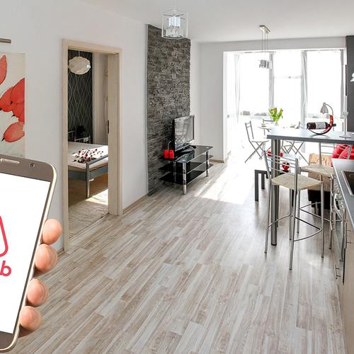 Afbeelding van Airbnb naar rechter om terugbetaling servicekosten