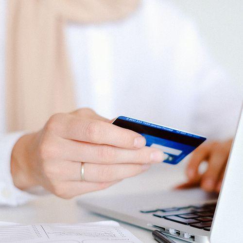 Criminelen hebben van mijn rekening een bankpas aangemaakt. Wat moet ik doen?