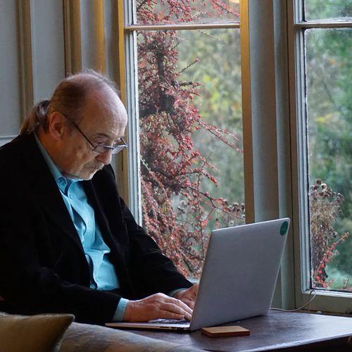 Afbeelding van Telefoonlijn voor ouderen met vragen over internetfraude