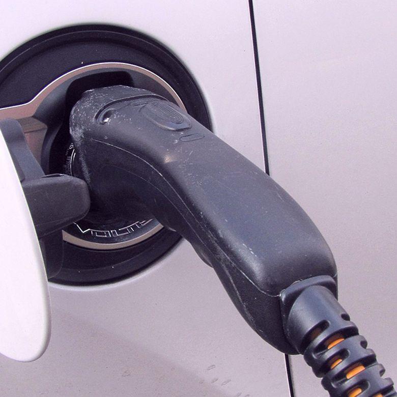 Afbeelding van VvE-besturen slaan alarm: Geen verplichte laadpunten elektrische auto in ondergrondse garage